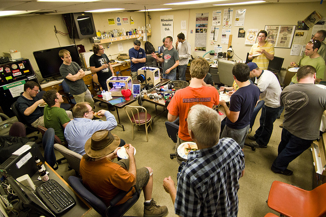 Pete Prodoehl: Good Crowd at Milwaukee Makerspace